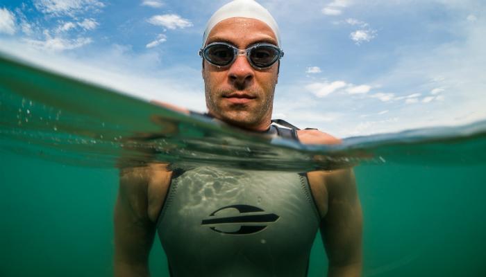 146c4dff1 Como escolher seu óculos de natação para águas abertas