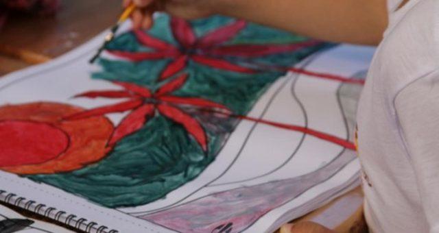 Aula de pintura em tom de inspiração e diversão!