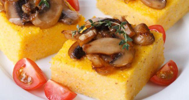 Segunda sem carne | Polenta crocante do ragu de cogumelo