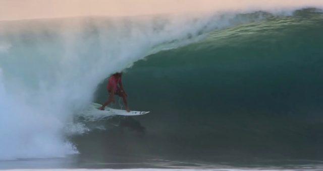 Caio Vaz é destaque no Surfline