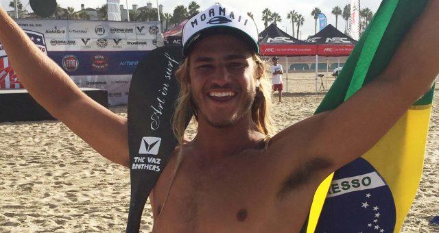 Caio Vaz é bicampeão brasileiro de SUP wave