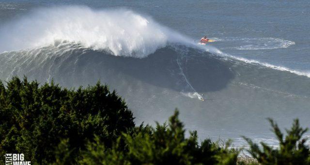 Pato surfa Nazaré de Foil, Tow e Big SUP