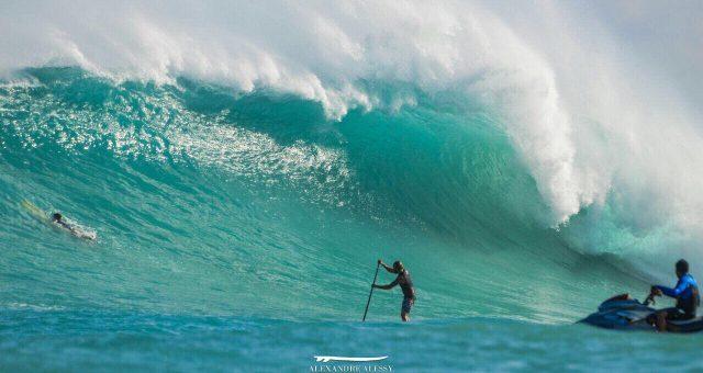 Kauli Seadi surfa a Urca do Minhoto (RN)