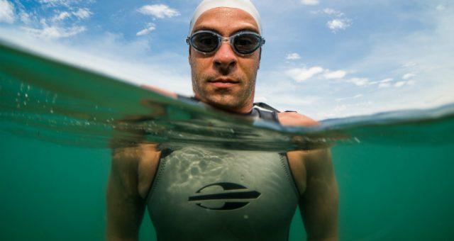 Como escolher seu óculos de natação para águas abertas