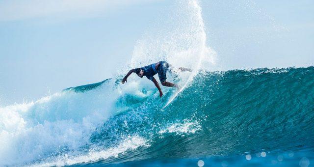 Michael Rodrigues vence a avança em Uluwatu
