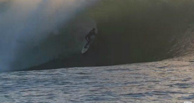 Lucas Chumbo é destaque na Surfer e em Mavericks