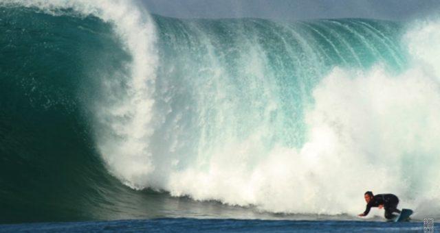 O segredo para melhorar suas manobras no surf com Fábio Gouveia